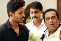 Sarrainodu Movie Comedy Trailer