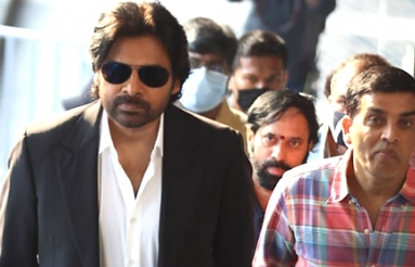 Pawan Kalyan Hyderabad Metro Train Ride Photos