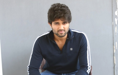 Vijay Deverakonda Interview Pics