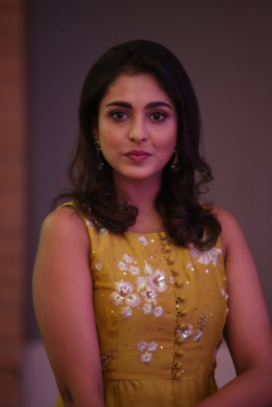Madhu-Shalini-Photos-08 | Photo 3of 10 | Madhu Shalini Latest Pictures | Madhu Shalini Latest New Look Images