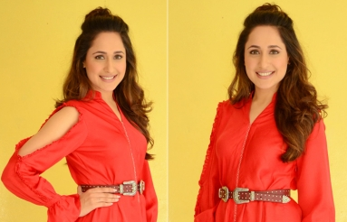 Pragya jaiswal Latest Photos