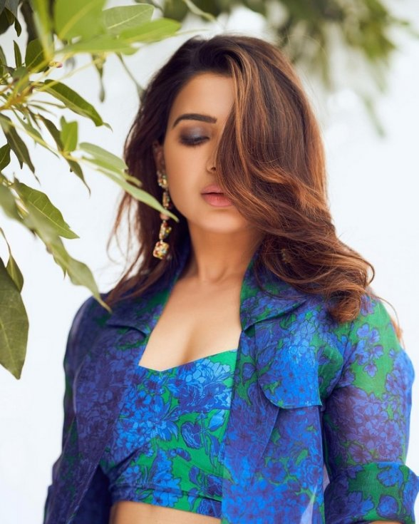 Samantha-New-Pictures-03