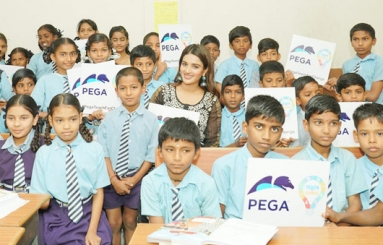 Nidhhi Agerwal Teaches English To Pega Teach For Change