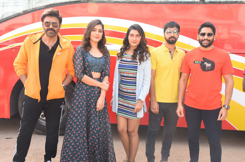 Payal Rajput | Venkatesh | Venky-Mama-Pre-Release-Khammam-Tour-Flagoff-Event-09 | Photo 1of 9