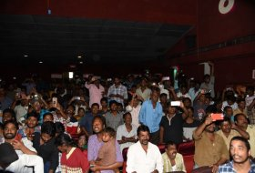 Mr-Majnu-Team-At-Sailaja-Theatre-Vijayawada-07