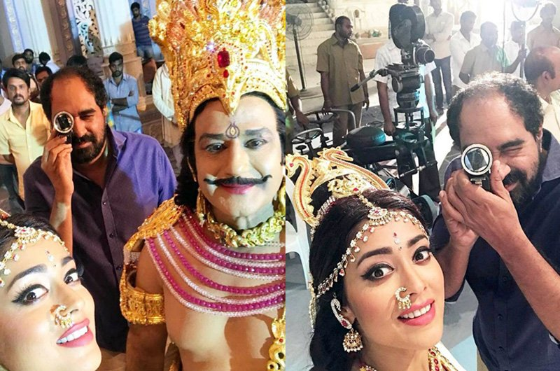 Shriya Saran With NTR Kathanayakudu Movie Team