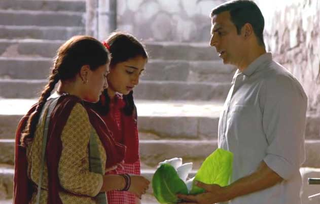 Padman-Movie-Stills-07