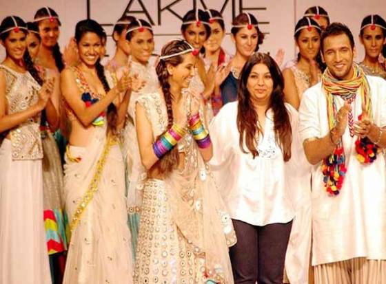 Lakme Fashion Week: Pia Pauro brings &#039;Mexico&#039; spirit alive