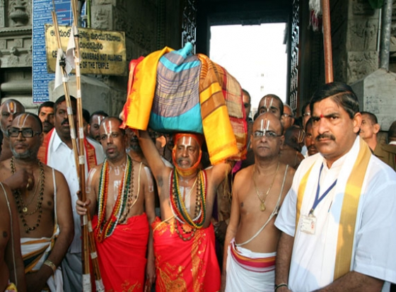 Goda Devi Malas Taken on a grand Procession to Srinivasa Mangapuram