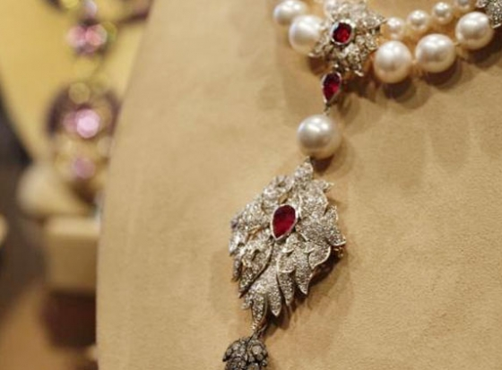 Elizabeth Taylor's Jewelry Sells for $115 Million