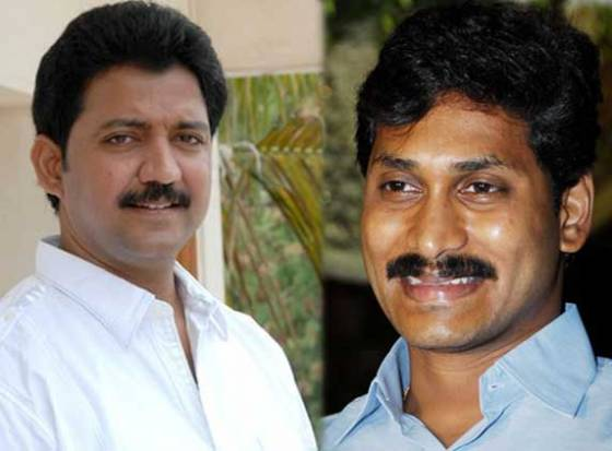 Show cause notices to Vallabhaneni for shaking hands with Jagan