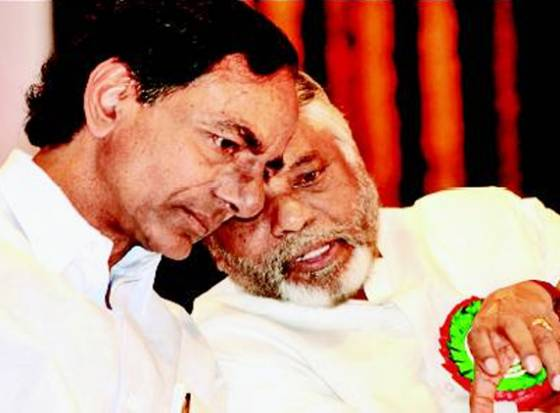 Has dostana with KCR cost KK !!