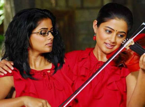 Priyamani pins hopes on 'Charulatha'