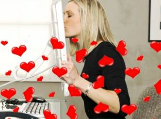 Romance online by clicking with lonely-hearts