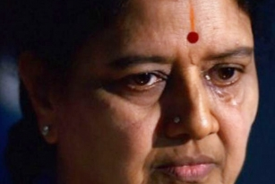 More trouble for Sasikala, 13 more month if fine not paid