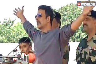 Actor Akshay Kumar Visits BSF Camp in Jammu, Pays Tribute to Martyred Soldiers