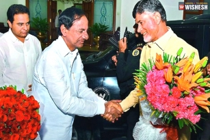 Naidu invites KCR for Amaravathi ceremony