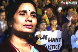 Nirbhaya's Mother Reacts On Women Safety, Urges Govt To Open It's Eyes
