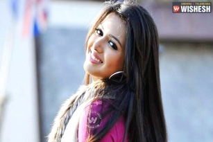 'Nene Raju Nene Mantri' Breaks Many Stereotypes: Catherine Tresa