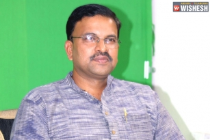 JD Lakshmi Narayana All Set To Join Janasena