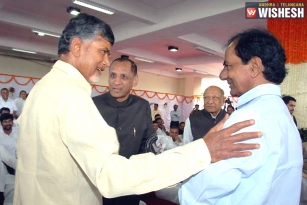 KCR and Naidu to Meet in New Delhi