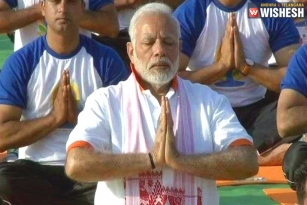 Narendra Modi Performs Asanas On International Yoga Day