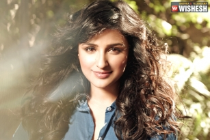 Parineeti Chopra Bags a Biggie