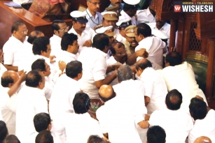 After 30 Years Police Inside Tamil Nadu Assembly