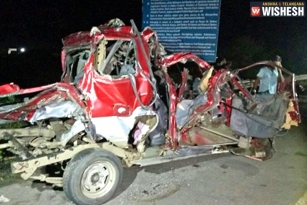 Road Accident on ORR, 8 Students Killed on Spot