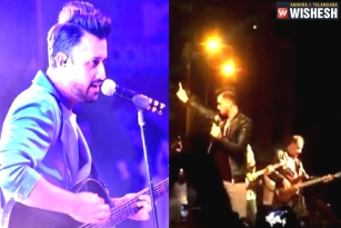 Atif Aslam Stops his Concert to Rescue a Girl from Eve-Teasers