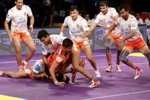 U Mumba Defeated Puneri Paltan 34-31