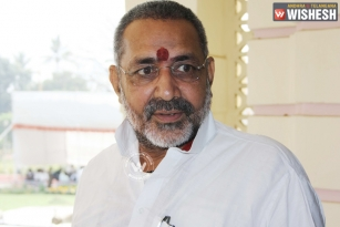 Union Minister Giriraj Singh's bizarre comments on Sonia Gandhi
