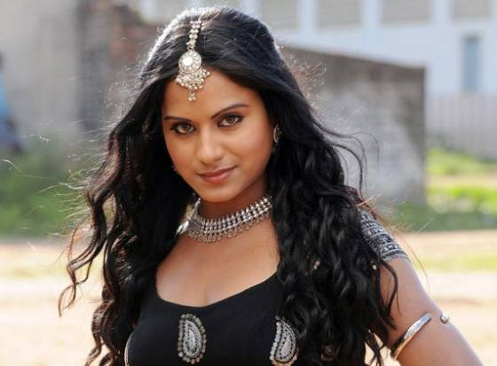 Kathi heroine arrested for prostitution