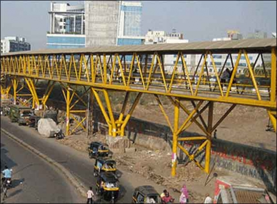 Teenager attempts suicide at Nalanda Nagar Skywalk