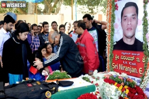 Central Ministers skip Pathankot martyrs funeral, Opposition declares war