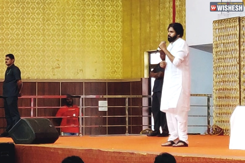 Pawan Kalyan's Wise Move With Intellectuals And Students