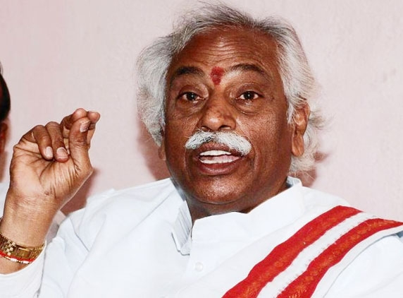Bandaru Dattatreya rules out Cong victory in by-polls