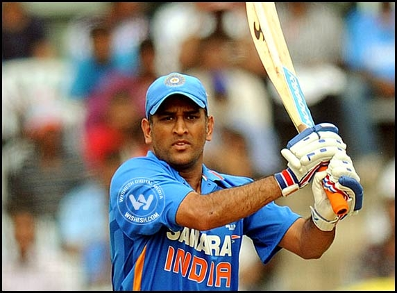 Dhoni gets ready for first T20 in his hometown