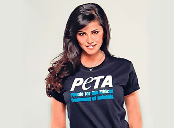 People take on PETA for signing Sunny Leone