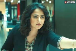 Anushka's Nishabdham Trailer is a Thrilling Ride