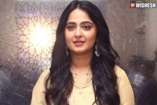 Anushka Clears the air about Prabhas' Adipurush