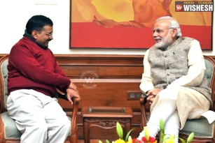 Arvind Kejriwal Supports PM Narendra Modi For Surgical Strikes On Terror Groups In LoC