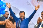 Arvind Kejriwal Invites Narendra Modi for his Oath-Taking Ceremony