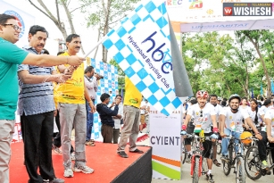 HMR to set up 300 Bike Stations in Hyderabad