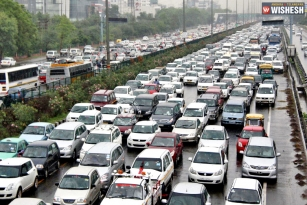 Domestic car sales registers growth, Two wheeler market on decline