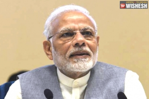 EC Forced to Give a Clean Chit for Narendra Modi