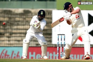 First Test: England Reports A Stable Performance On Day One