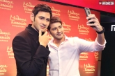 Mahesh Babu wax idol, Mahesh Babu wax idol, mahesh babu unveils his wax idol in amb cinemas, Cinema