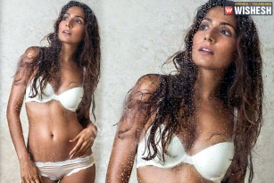 Monica Dogra Increases Heat With A Hottest Pic