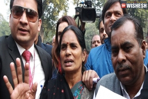 Nirbhaya Parents Wants The Convicts To Be Hanged Soon